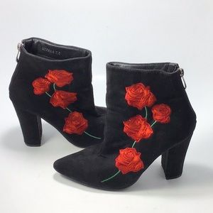 Cape Robbin Suede Black Embroidered Roses Boot 7.5